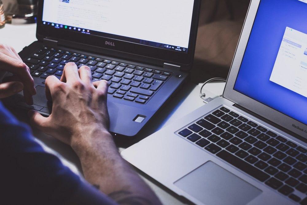 Et antivirusprogram tillader dig at handle sikkert med aktier